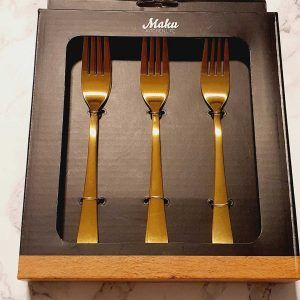 tenedores de postre dorados