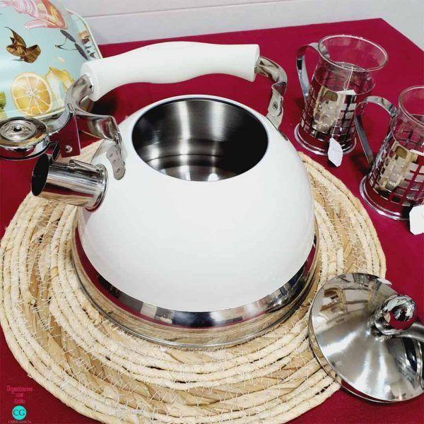 brithish-vintage-kettle